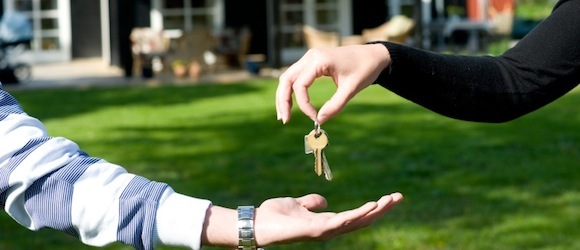 How To Include in a Simple House Sitting Agreement