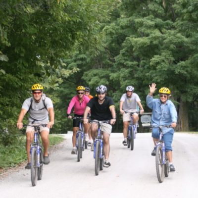 Best Bike Friendly Resorts for Family Getaways